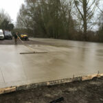 Smoothing concrete surface