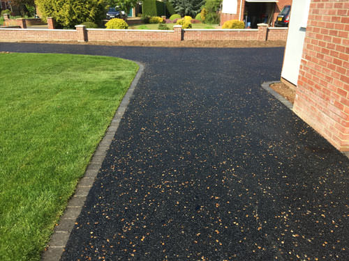 Hot Tar And Golden Pre Coated Spec Driveway With Charcoal